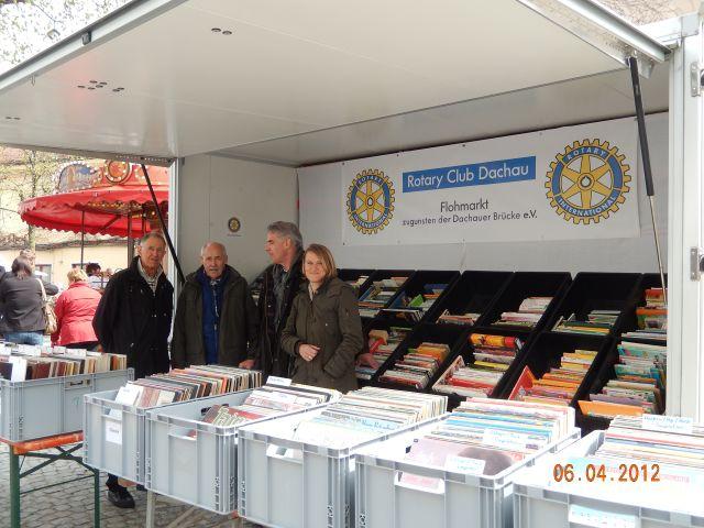 Auf dem Bücherflohmarkt